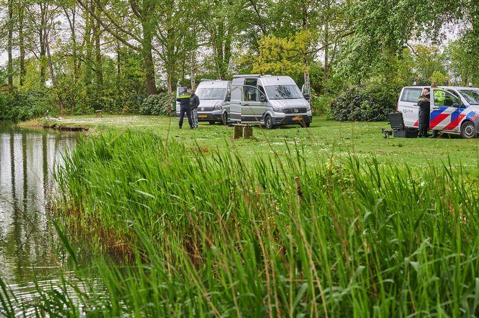 Duiken naar sporen in zaak gevonden dode baby in Wernhout.
