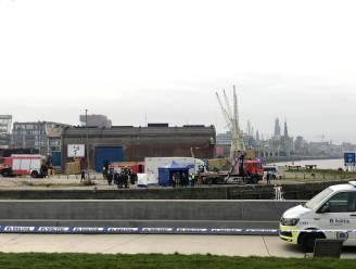 Politie vindt lichaam bij Droogdokkenpark na redding van hond uit de modder