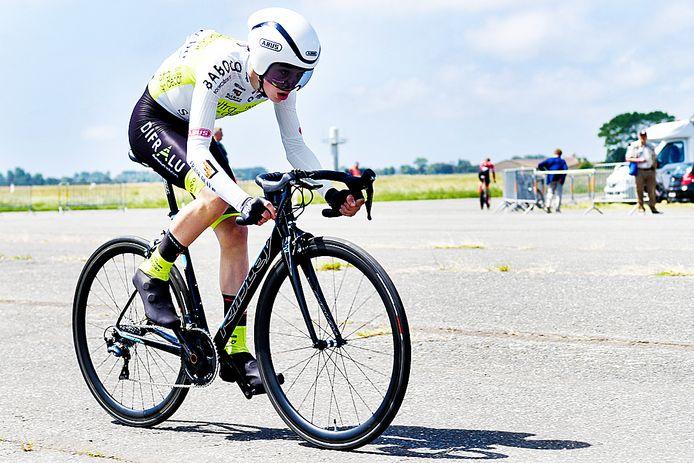 Matthijs De Clercq, vierde op het BK tijdrijden, won woensdag in Ledegem zijn eerste wedstrijd van het seizoen.