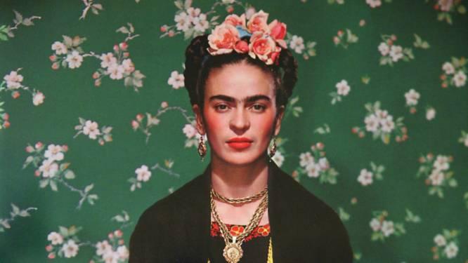 Bekend om haar wenkbrauwen, kunst en feminisme: waarom blijft Frida Kahlo zo populair?