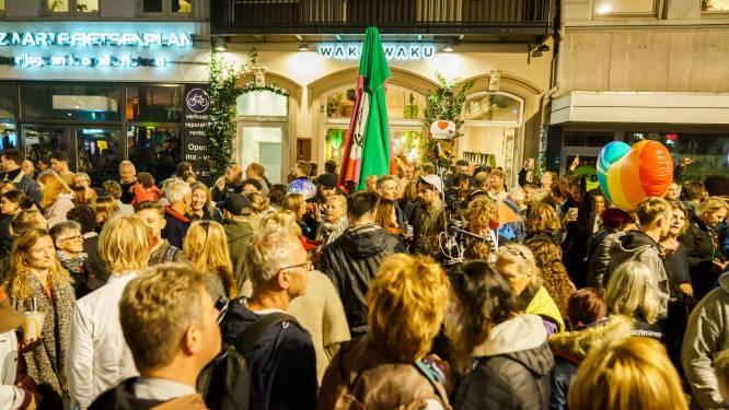 Betogers bij Utrechts restaurant Waku Waku gaan naar huis, maar willen morgen opnieuw demonstreren