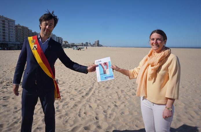Voorzitter van de gemeenteraad Wouter De Vriendt en ombudsvrouw van Oostende Griet Landuyt