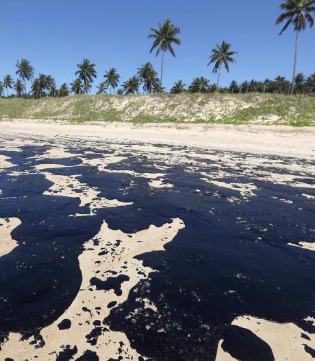 Mysterieuze oliegolf besmeurt Braziliaanse stranden