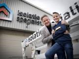 Stefan (11) strikt 'dragon' Pieter Schoen om miljoenen in bedrijf van zijn ouders te investeren