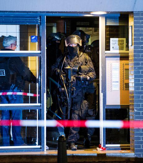 Waar wilden terreurverdachten al die wapens voor gebruiken? Zelfs justitie weet het niet