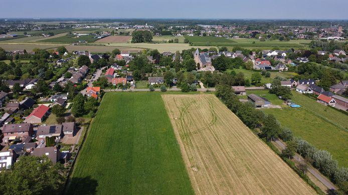Op dit terrein tussen Achterweg, Achtermonde en Kerkweg worden 33 huizen gebouwd in Rumpt