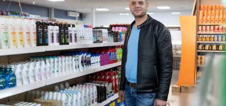 Sami opent na vlucht uit Syrië in Zutphen zijn derde supermarkt: 'De pijn blijft, maar ik kan nu ook genieten'