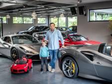 Peperdure auto's vliegen de showroom uit: 'Ik ben afgelopen jaar tot wel drie keer uitverkocht geweest'