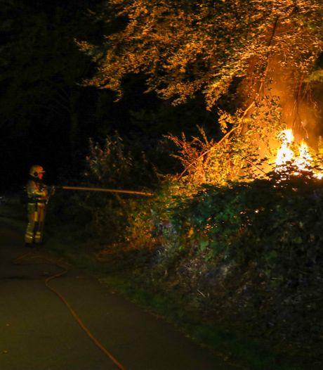 Weer brand in Matenpark: getuigen zien vermoedelijke dader wegfietsen