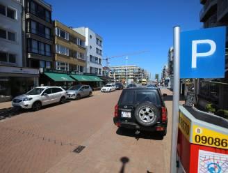 Halve of volledige dag parkeren in Koksijde wordt iets duurder, maar ticketje hoef je niet meer af te drukken