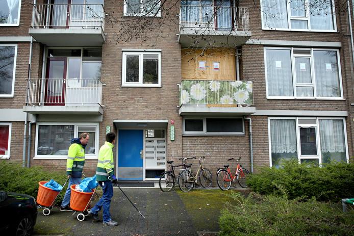 De woning in Schiedam-Groenoord van waaruit drugs is verhandeld.