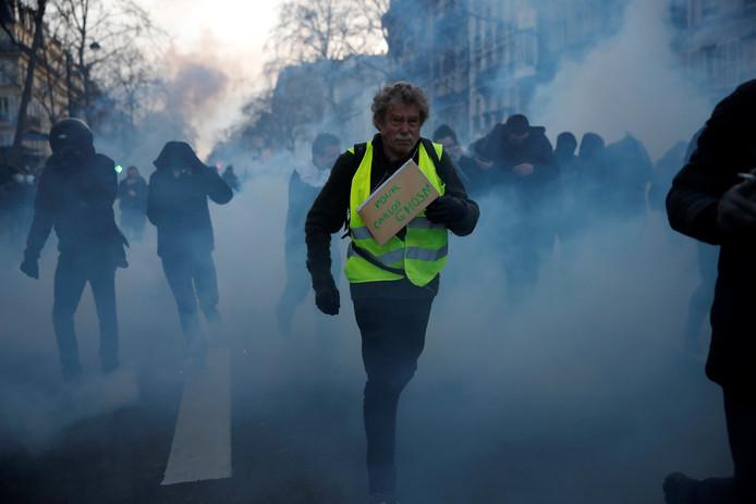 Demonstraties tegen de hervormingsplannen van de regering liepen vandaag uit de hand. De politie gebruikte traangas.