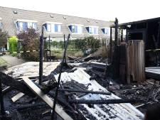 Brand verwoest drie schuurtjes in Tiel