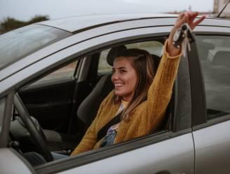 Je eerste auto kopen: enkele tips om de kosten onder controle te houden
