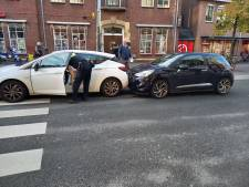 Nekklachten na kopstaartbotsing in centrum Groesbeek