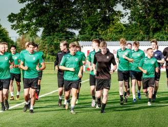 """Sparta Petegem start eerste trainingsblok: """"Na acht maanden zonder voetbal extra aandacht voor knieën en liezen"""""""
