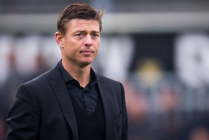 Jon Dahl Tomasson is assistent-bondscoach van Denemarken.