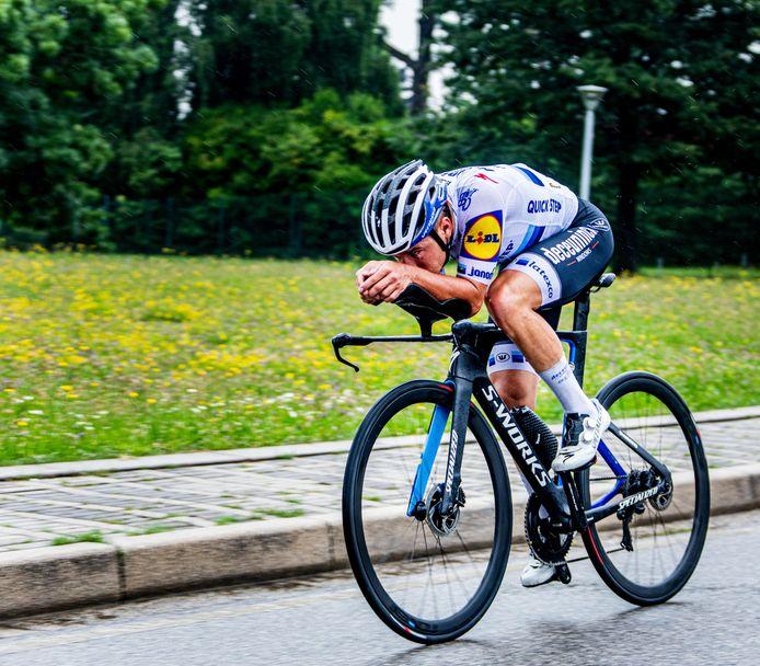 Remco Evenepoel sur les routes du deuxième chrono du Giro 2020.
