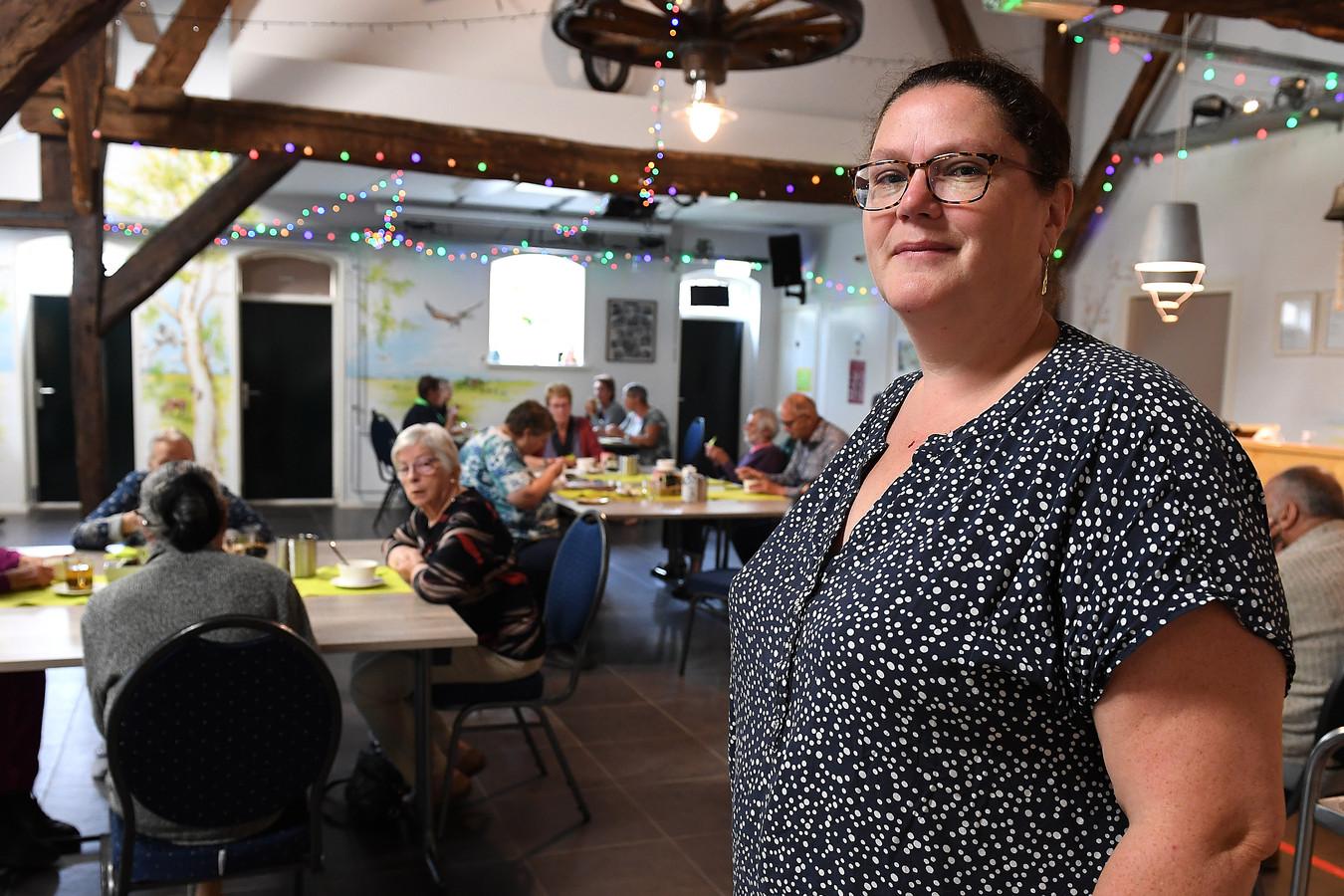 Shirley van Hoof, voorzitter van de wijkraad Padbroek en ook vrijwillig beheerder van wijkcentrum Het Doehuis.