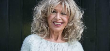 Bonnie St. Claire signeert haar biografie bij Venise Bar