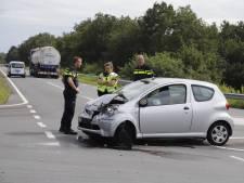Twee gewonden door aanrijding met vrachtwagen bij Heijen
