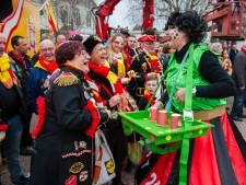 Streep door optochten Maasdriel; Oorverdovend stil in Alem op carnavalszondag