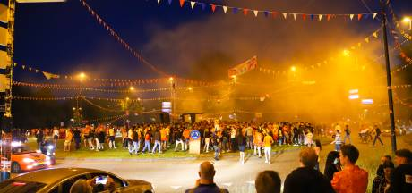 Donderdag opnieuw oranjefeest op rotonde met zwevende maagden? Dat ligt eraan, zegt Apeldoorn