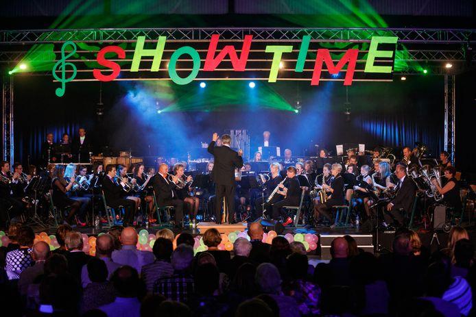 Muziekvereniging Determinato uit Klundert geeft vaak groots opgezette concerten, zoals hier in 2015 in De Niervaert.