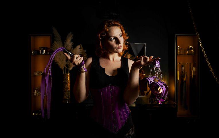 Moira Mona in een studio. De sekswerker zette zich ervoor in dat bedrijven binnen de sekswerkersbranche eerder open mogen. Beeld ANP