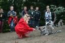 Dierenpark Wissel toen het nog open was: kinderen ervaren hoe het is om dierverzorger te zijn.