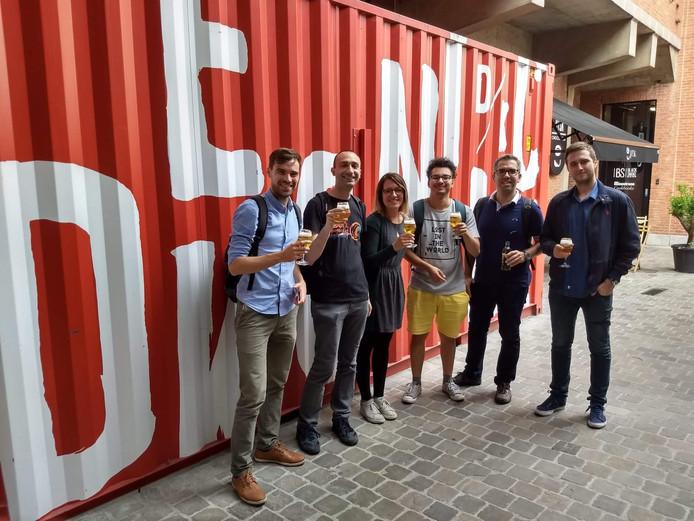Een deel van de deelnemers van de eerste editie van de summer school tijdens een brouwerijbezoek.