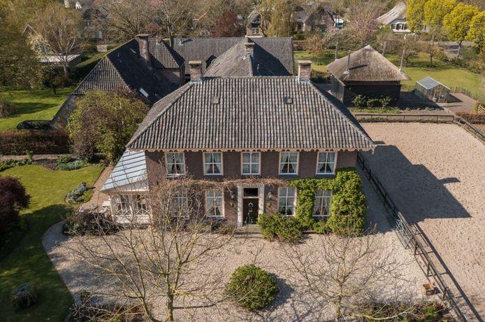 In Beusichem staat de monumentale woonboerderij Stigtenbleij te koop. Foto: Funda