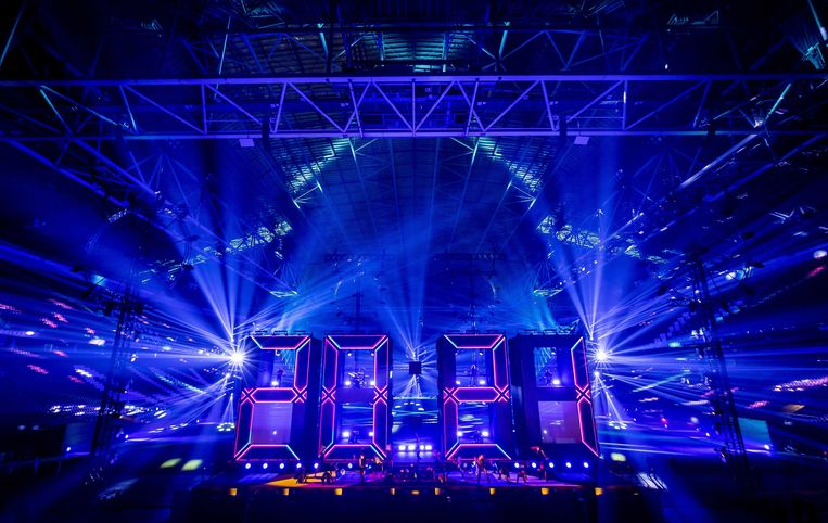 'Electric Fireworks' tijdens het Nationaal Aftelmoment in de Johan Cruijff Arena. Beeld ANP