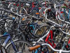 Fietsende foutparkeerders opgelet! Gemeente gaat strenger toezien op verkeerd gestalde fietsen
