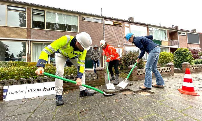 In de wijk Stadsdennen is dinsdag begonnen met een groot saneringsproject.