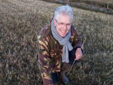 Wéér vindt Roelof een kievitsei, maar na 57 jaar zoeken is hij wéér niet de allereerste van het land