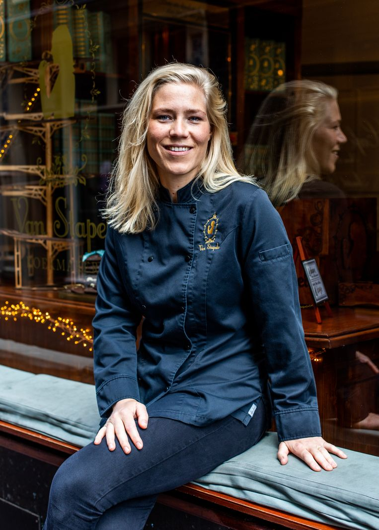 """Owner Vera van Stapele: """"When I started out, my brother calculated that even if I sold 220 cookies a day, which I often did, I'd never turn a profit."""" Beeld Lin Woldendorp"""
