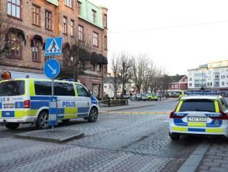 Drie personen in levensgevaar bij terreurdaad in Zweden, politie schiet twintiger neer