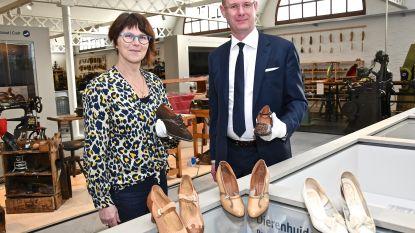 Eperon d'Or breidt collectie uit met 80 jaar oude damesschoenen en zeldzame drukkersborstel
