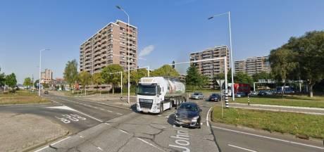 Automobilist wordt op de  Kennedylaan in Eindhoven in de gaten gehouden door slimme camera's