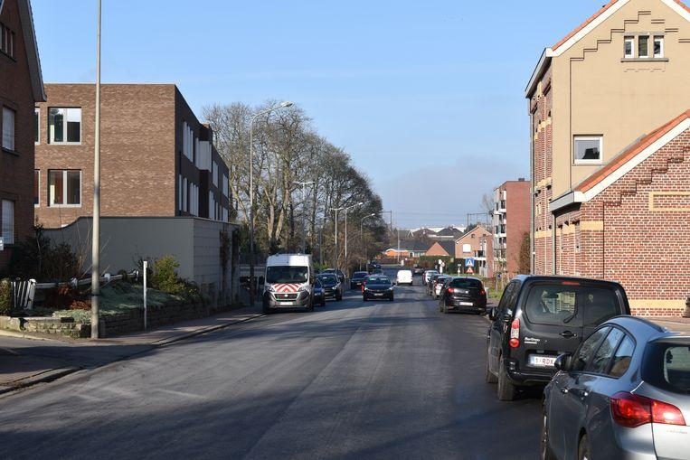 Met wat verf wordt de verkeerssituatie op de Arthur Gevaertlaan aangepakt.