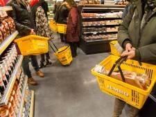 Meisje (15) krijgt 'gratis' gewerkte uren alsnog betaald van supermarkt; vader geschrokken van doodsbedreigingen aan adres super