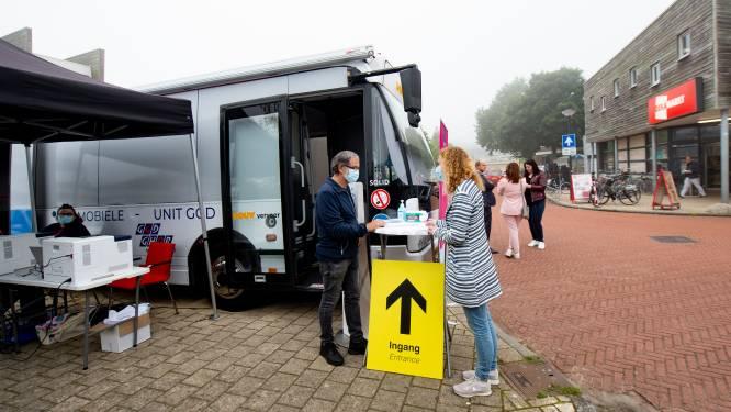 Pop-up vaccinatielocatie in Brummen blijkt handig: 'Sinds de persconferentie voelt men zich enigszins gedwongen'