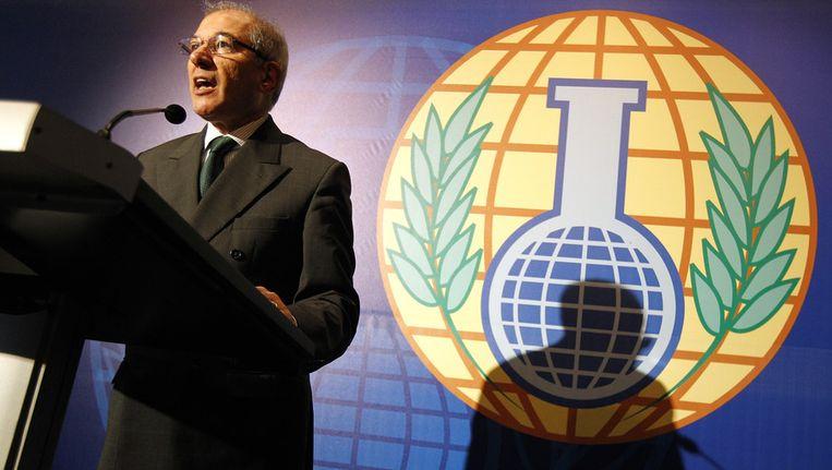Hoofd Ahmet Üzümcü van de Organisatie voor het Verbod op Chemische Wapens (OPCW) geeft een persconferentie nadat de instelling de Nobelprijs voor de Vrede heeft ontvangen. Beeld anp