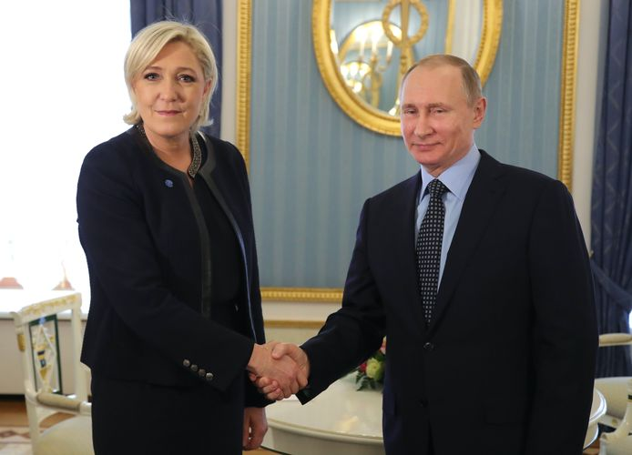 Marine Le Pen en Vladimir Poetin in Moskou.