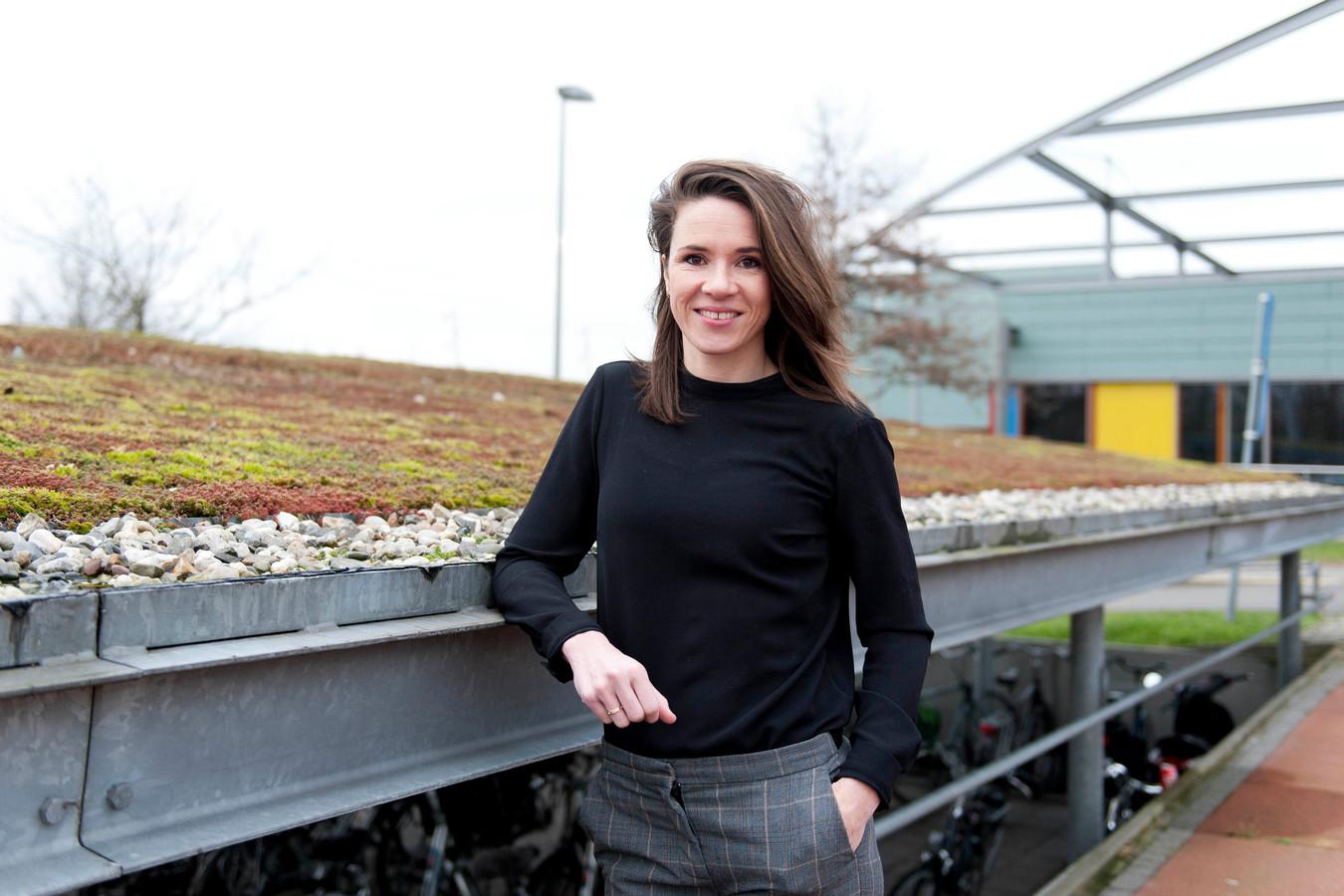 Irene Harmsen is sinds 1 november de Chief Nursing Officer in het Deventer Ziekenhuis. Als stem van alle verpleegkundigen heeft ze een plek in de Raad van Bestuur.