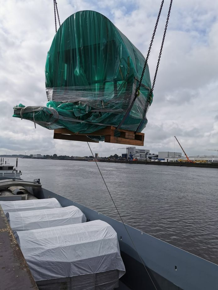In delen gaat het hele spulletje het schip in. Volgende week in Rotterdam!