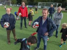 Voetbalclubs Stichtse Vecht vrezen voor voortbestaan door bezuinigingen: 'Vroeg of laat gaan ze failliet'