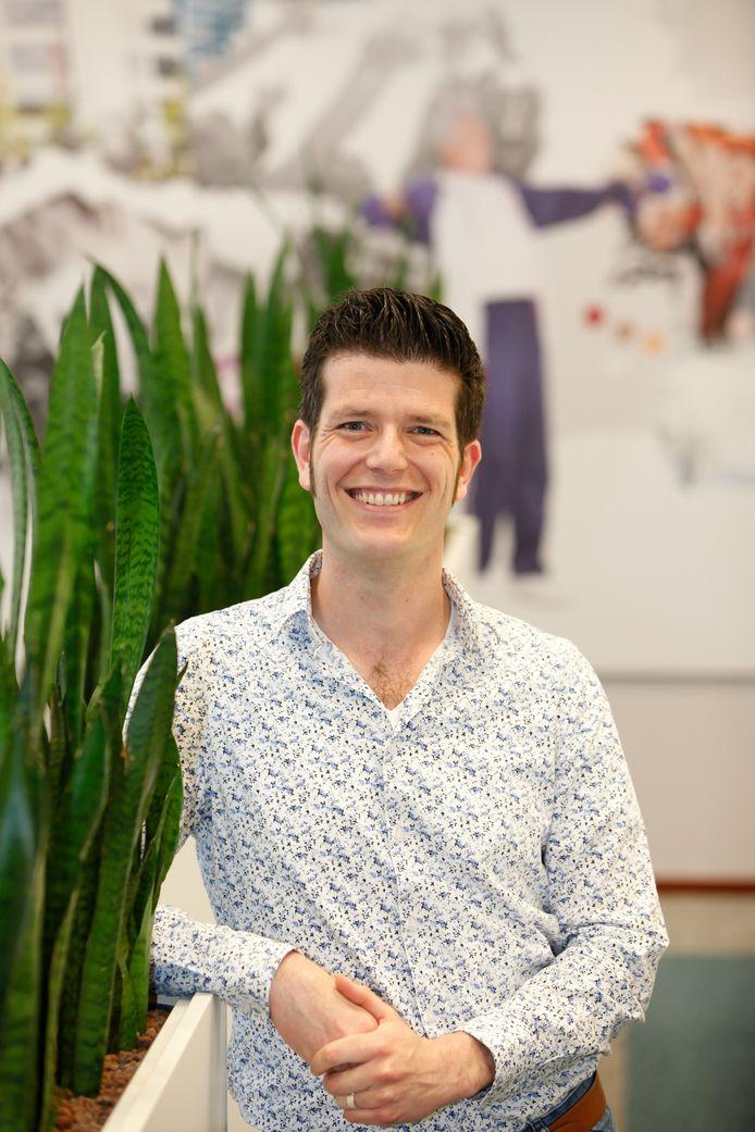 Eric Schoenmakers van Fontys Hogescholen doet onderzoek naar eenzaamheid.