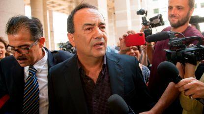 Huisarrest Italiaanse burgemeester die vluchtelingen in leeglopend dorp verwelkomde opgeheven